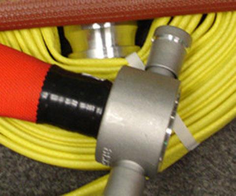 Перекатка пожарных рукавов: особенности и периодичность процедуры