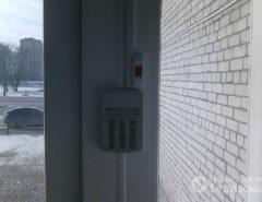Монтаж систем контроля доступа с кнопкой (фото 1)