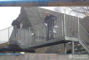 Испытание приставных лестниц, стремянок и высотных вышек (фото 1)